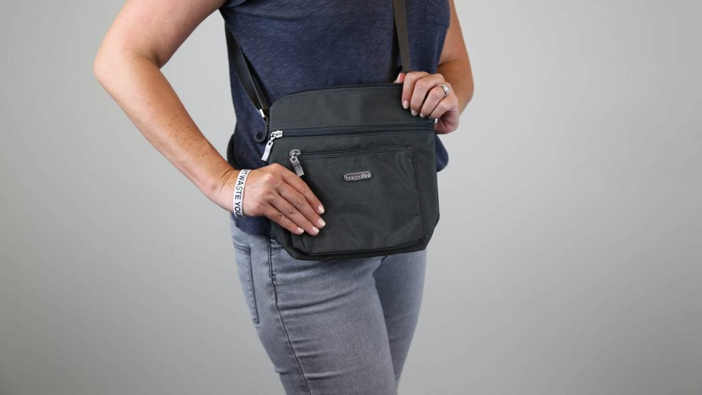 travel-purse-baggallini-pocket-cross-body-bag-action-review-forte-dwym-1-1024x576